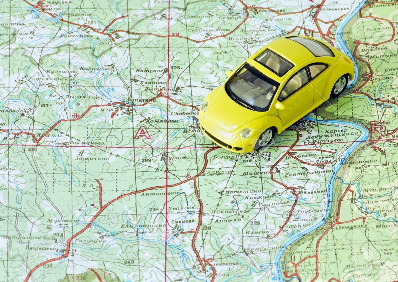 11272501-car-travel-